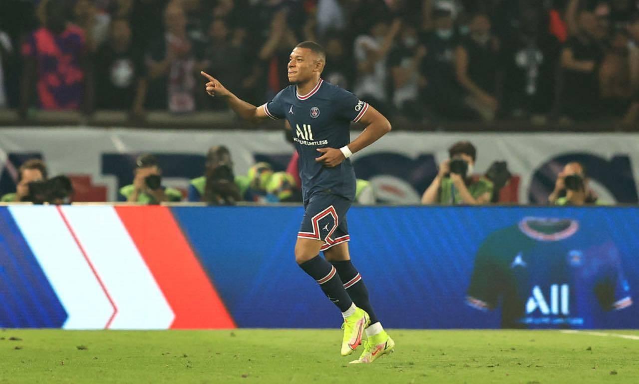 Mbappé esulta col PSG