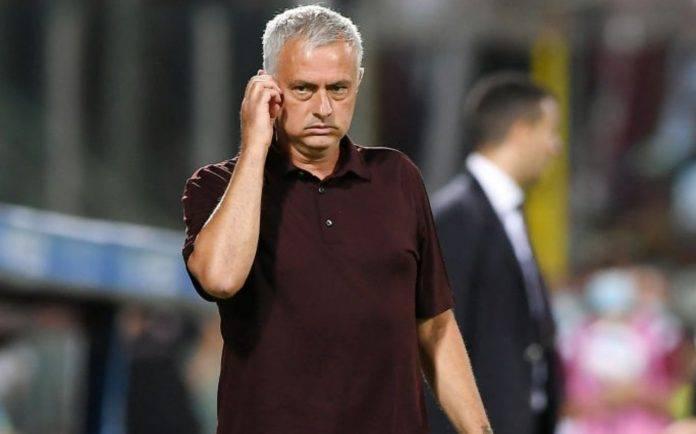 Mourinho pensieroso