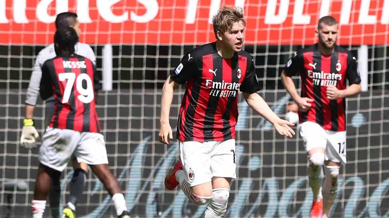Hauge esulta dopo il gol alla Sampdoria