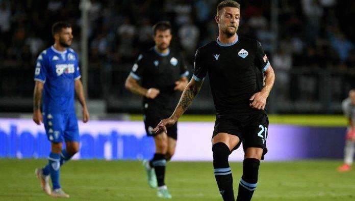 Milinkovic Savic passa il pallone
