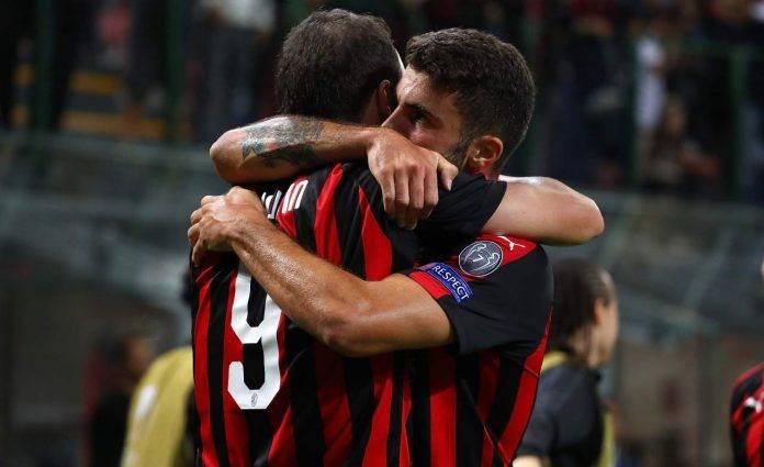 Higuain e Cutrone si abbracciano ai tempi del Milan