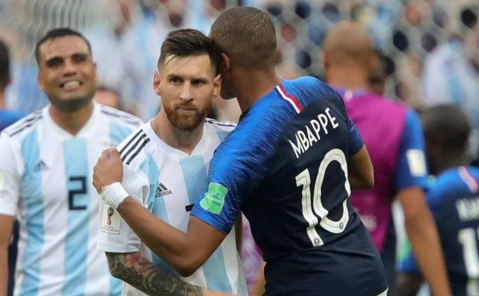 Messi e Mbappé con le casacche della Nazionale