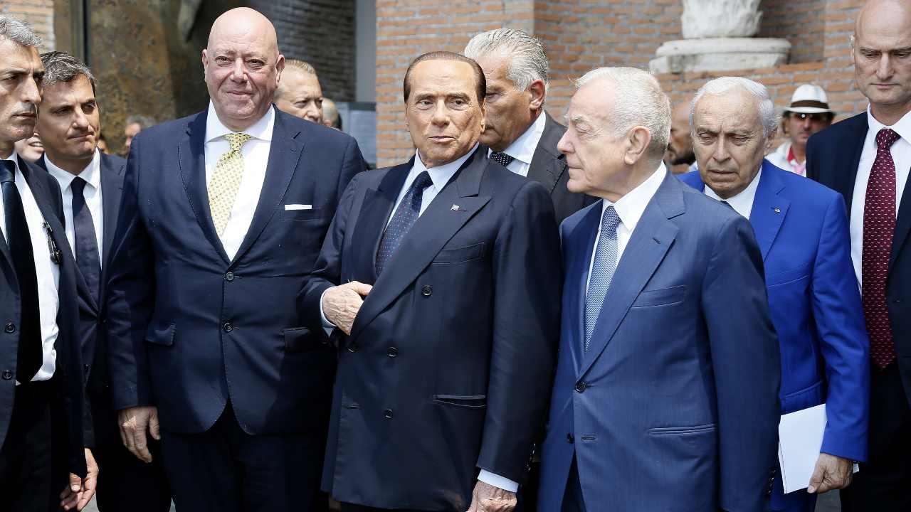 Berlusconi cupo