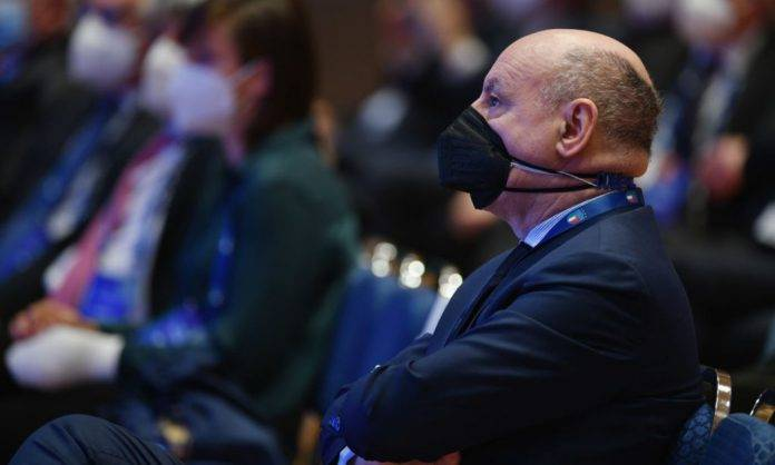 Inter, Marotta con mascherina