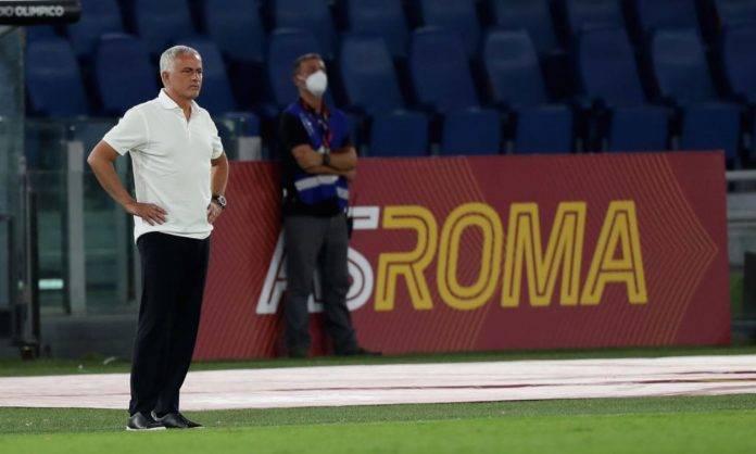 Mourinho sulla panchina della Roma