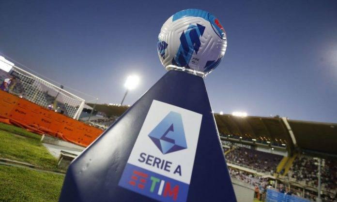 Il pallone della Serie A in Fiorentina-Torino