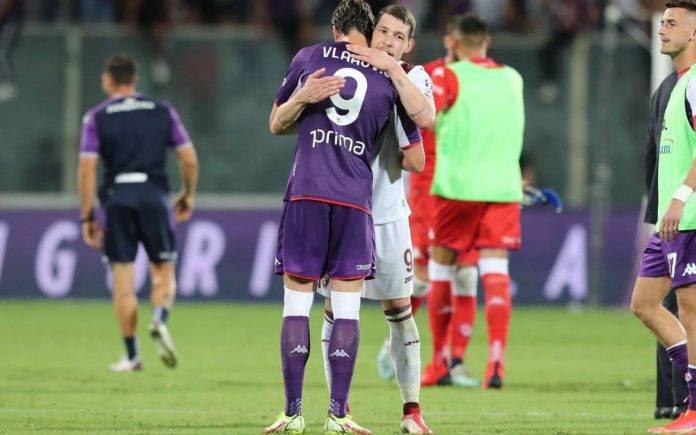 Vlahovic e Belotti al termine di Fiorentina-Torino