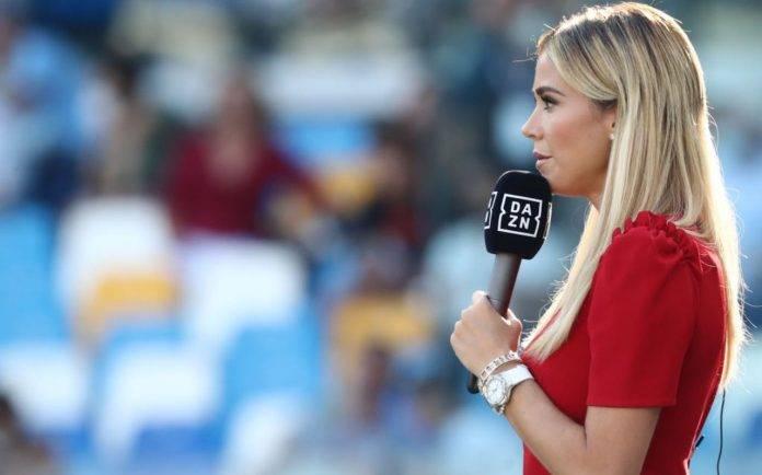 Diletta Leotta in campo durante Napoli-Juventus