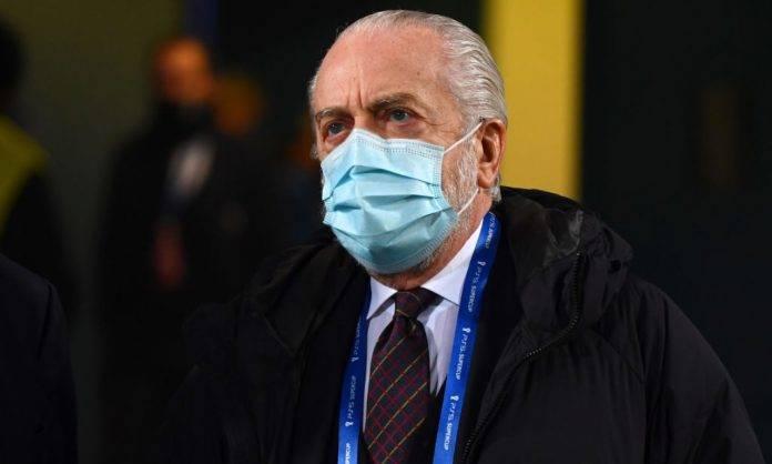 Aurelio De Laurentiis con la mascherina allo stadio