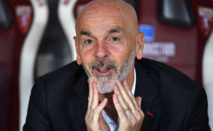 Stefano Pioli in panchina col Milan