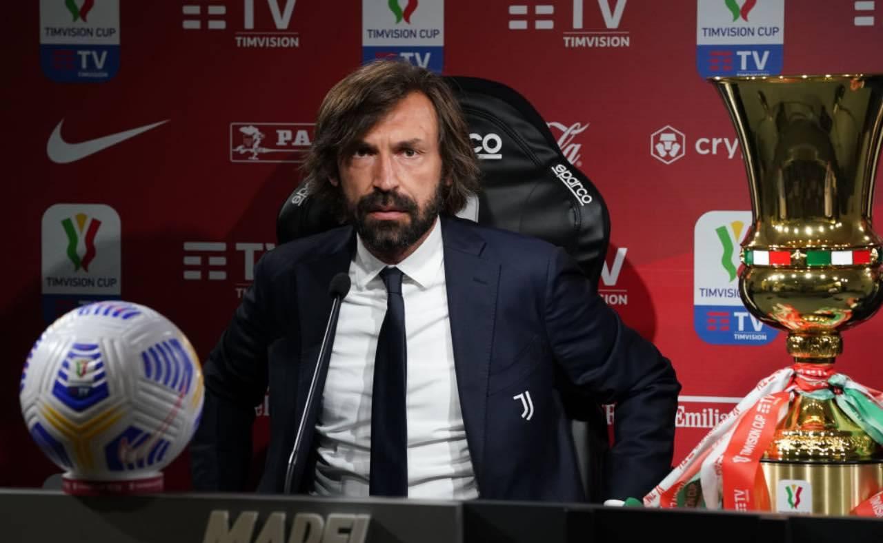 Pirlo in conferenza stampa con la Juventus