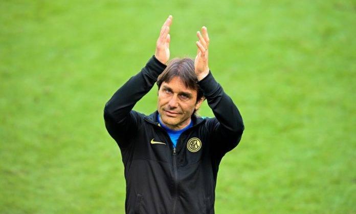 Conte applaude