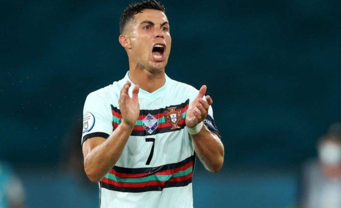 Ronaldo incita i compagni del Portogallo