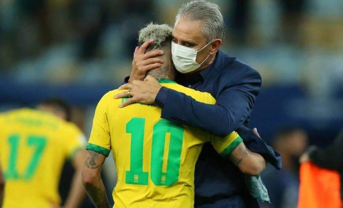 Tite abbraccia Neymar