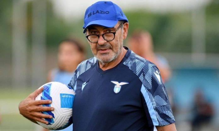 Sarri durante l'allenamento con la Lazio