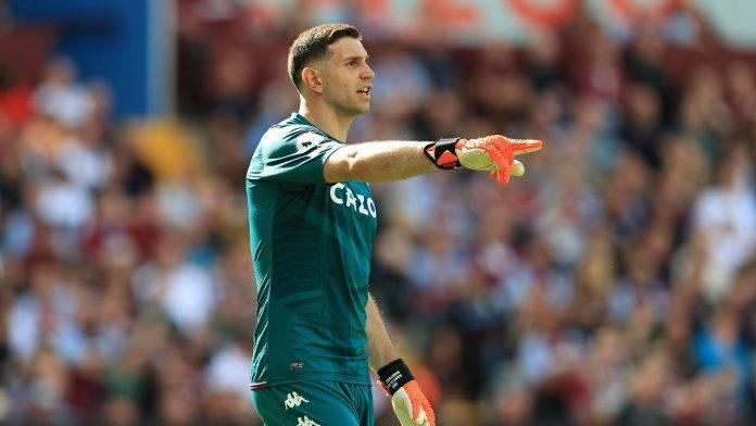 Emiliano Martinez indica Aston Villa