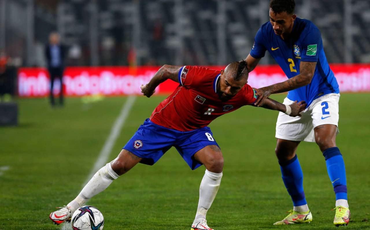 Vidal e Danilo in Cile-Brasile