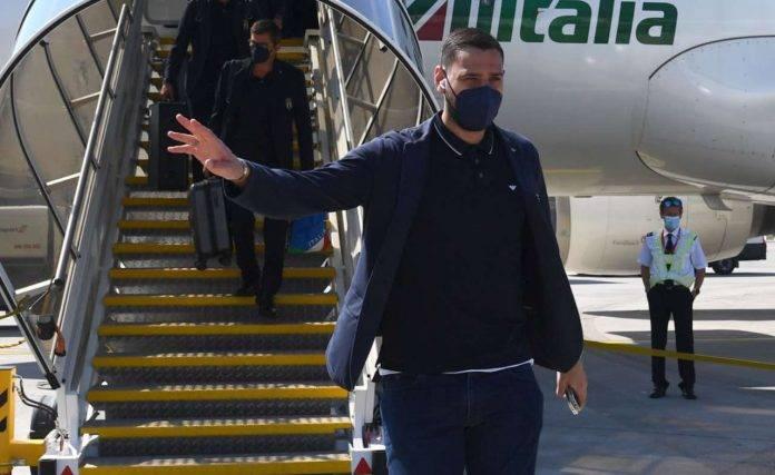 Donnarumma in aereo con l'Italia