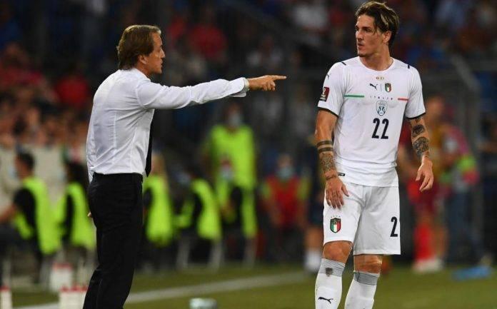 Mancini dà indicazioni a Zaniolo