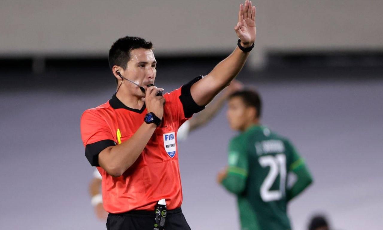 L'arbitro di Argentina-Bolivia