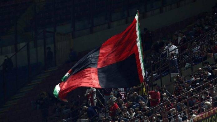 Bandiera Milan sventola