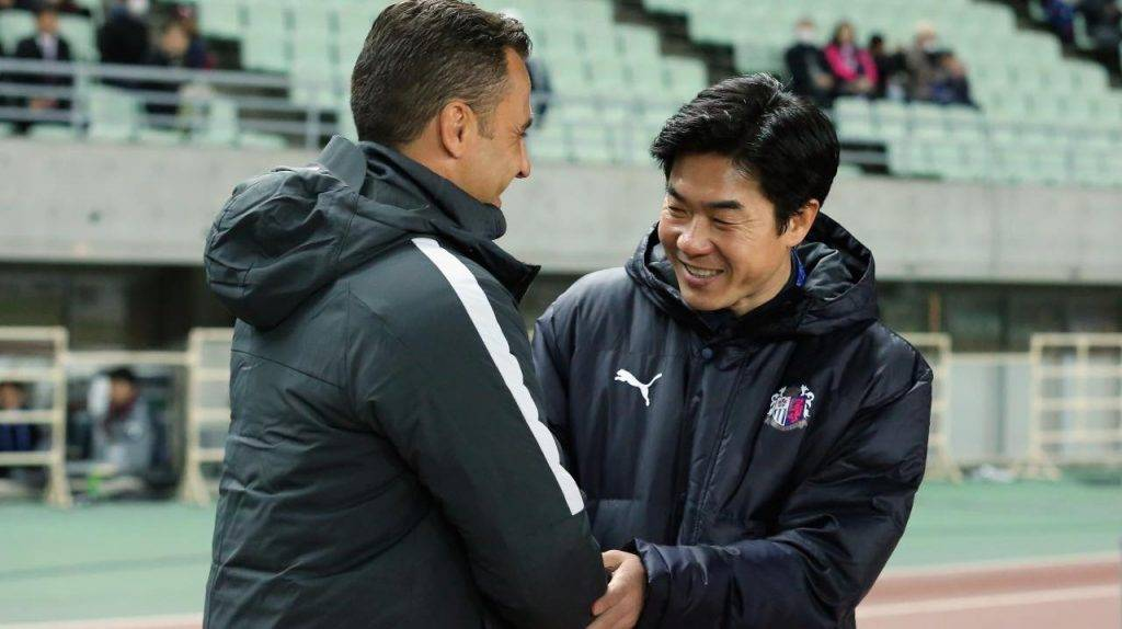 Cannavaro con Yoon Jong-hwan