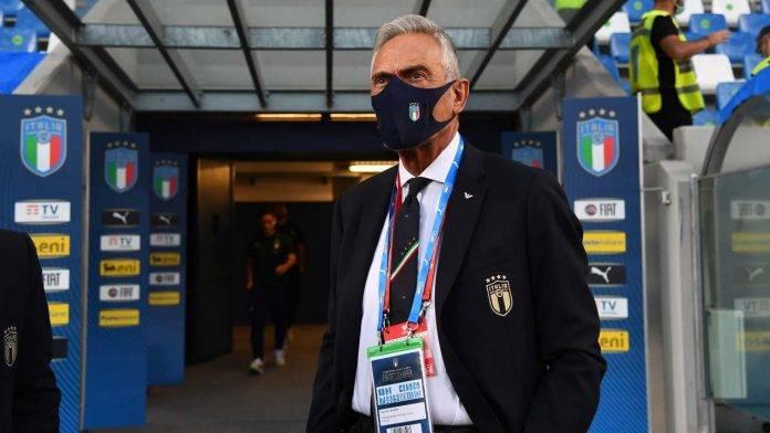 Gabriele Gravina a bordocampo prima del match Italia-Lituania