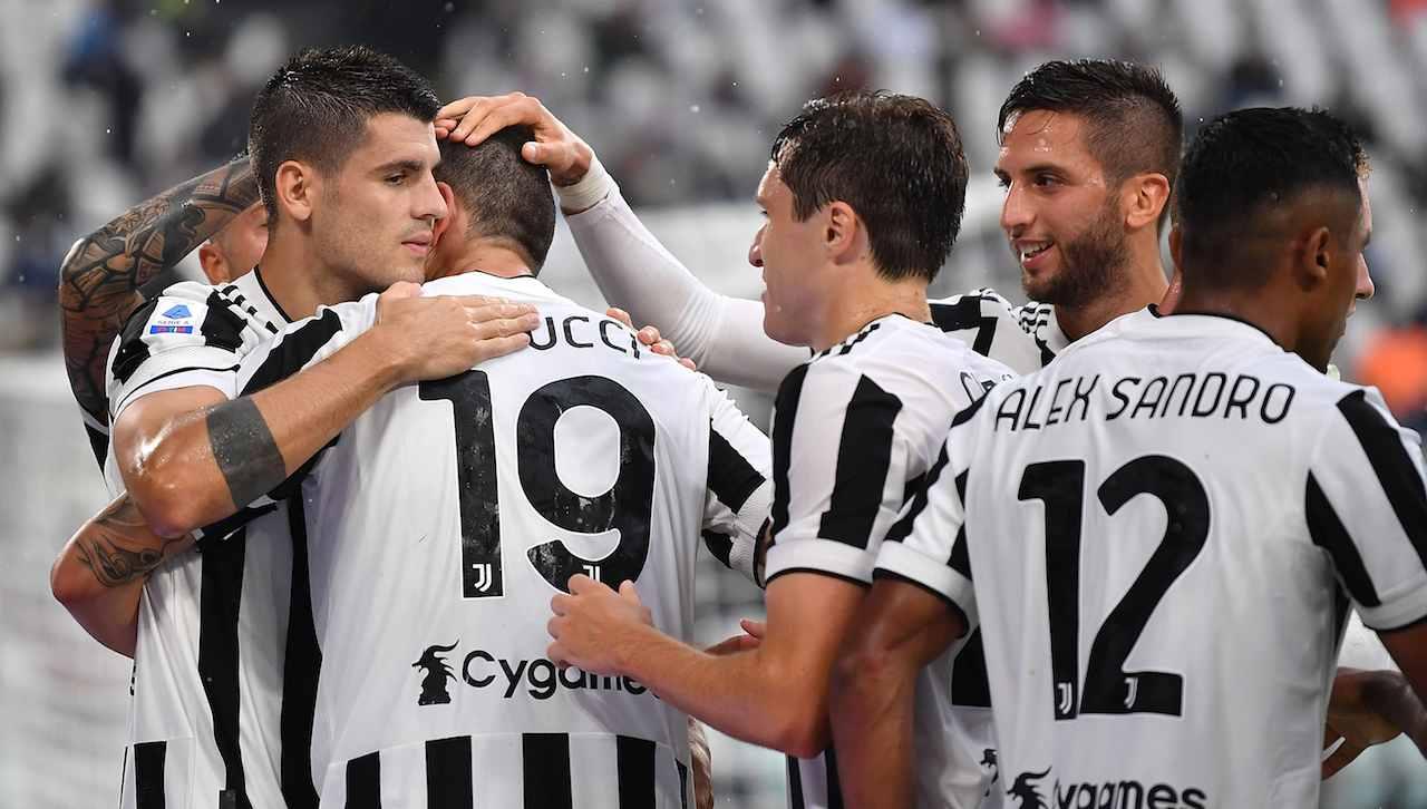 La Juventus festeggia il gol di Bonucci