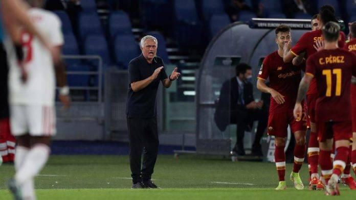 Mourinho incoraggia la squadra