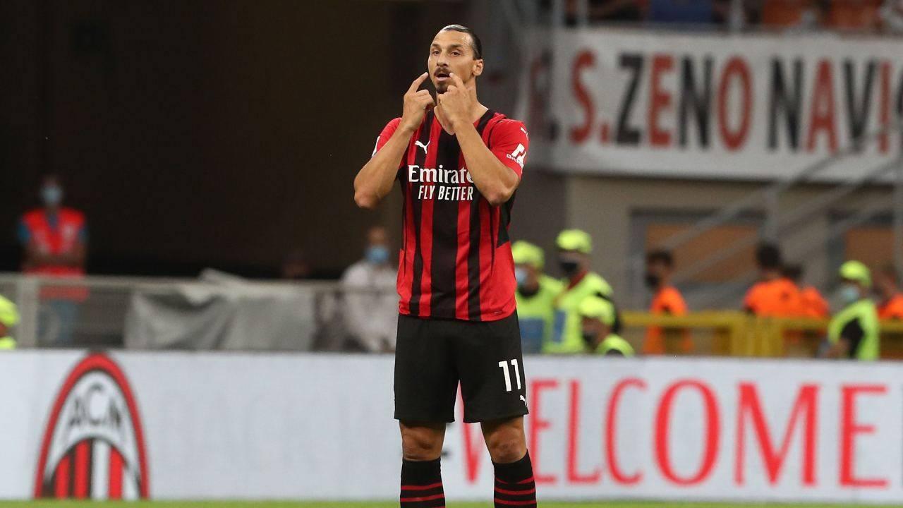 Ibrahimovic comunica con i compagni