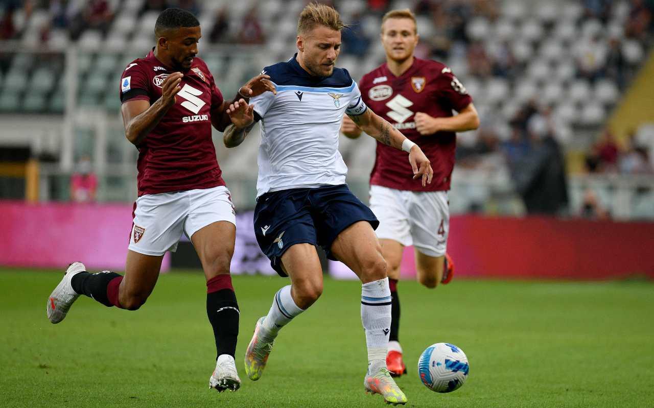 Torino-Lazio, Immobile controlla il pallone