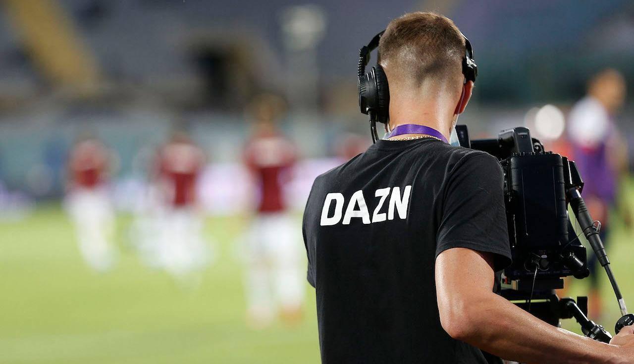 La telecamera di Dazn inquadra la serie A