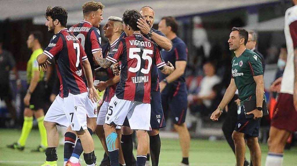 Mihajlovic saluta i giocatori del Bologna