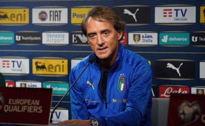 Mancini in conferenza con l'Italia