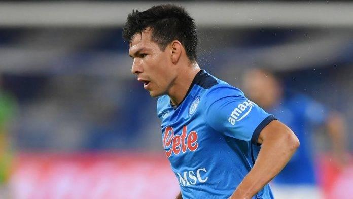 Lozano in campo con la maglia del Napoli
