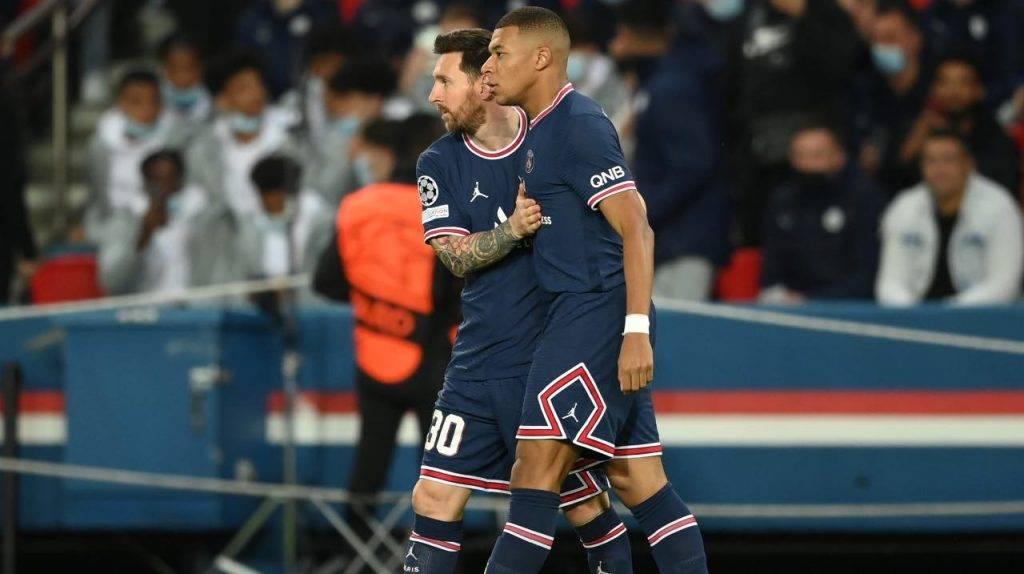 Mbappe con Messi