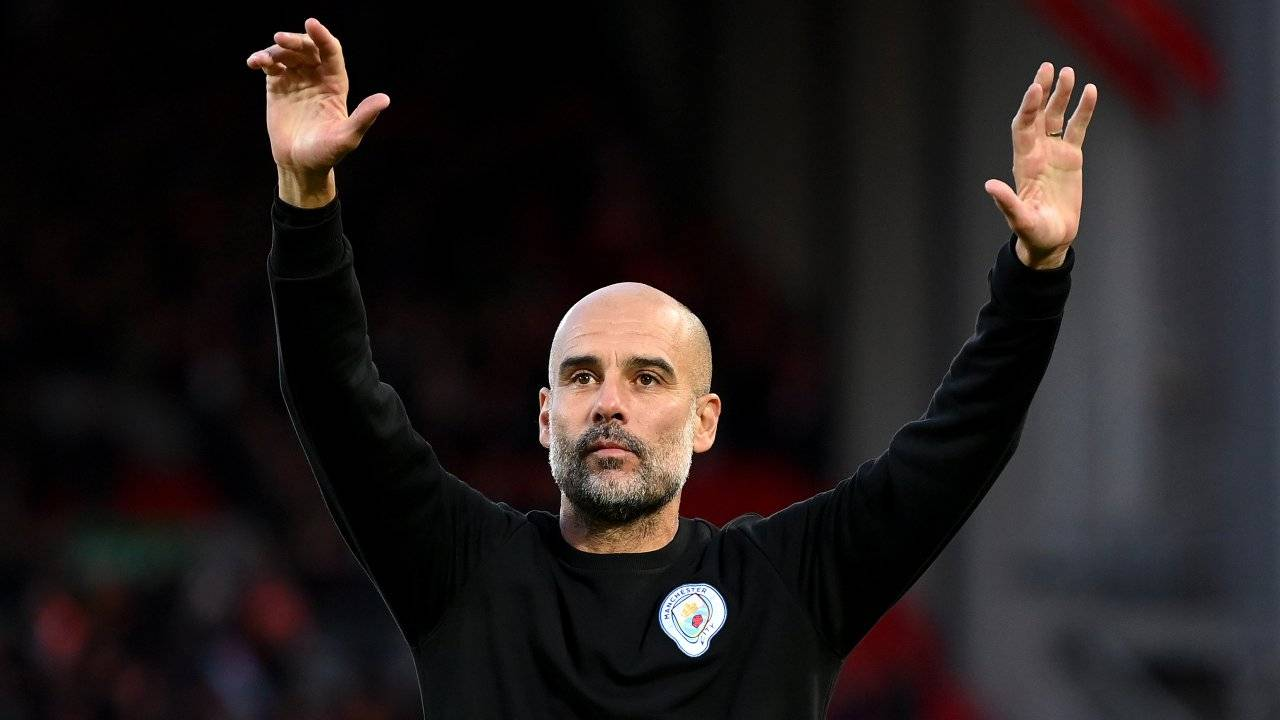 Guardiola alza le mani
