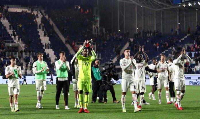 Il Milan saluta i tifosi