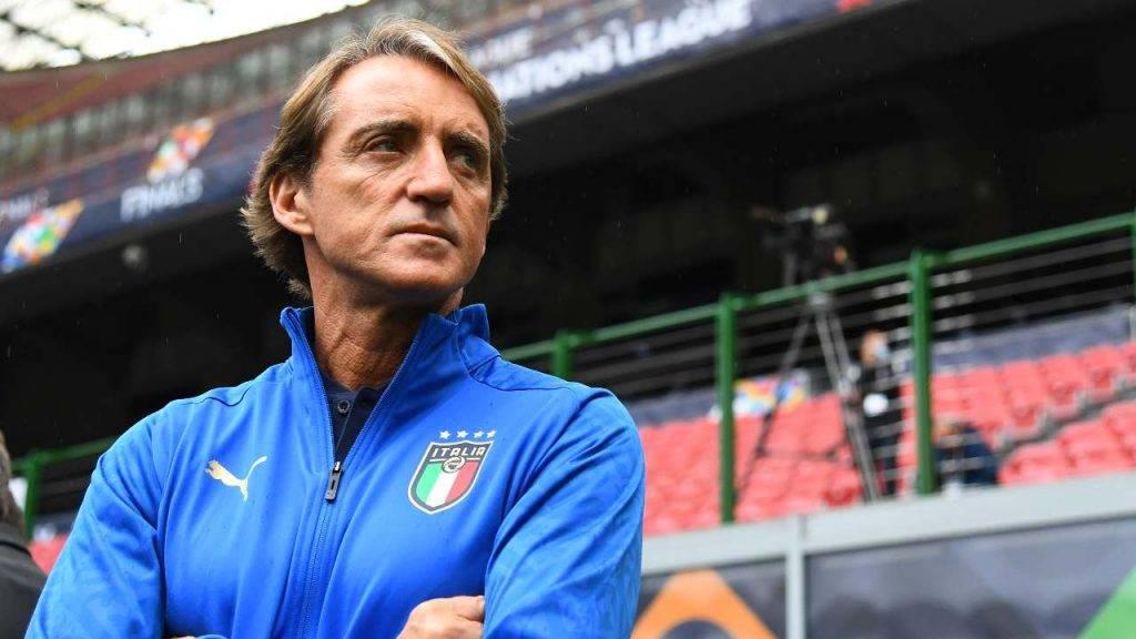 Mancini osserva Italia