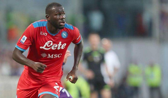Koulibaly corre in campo