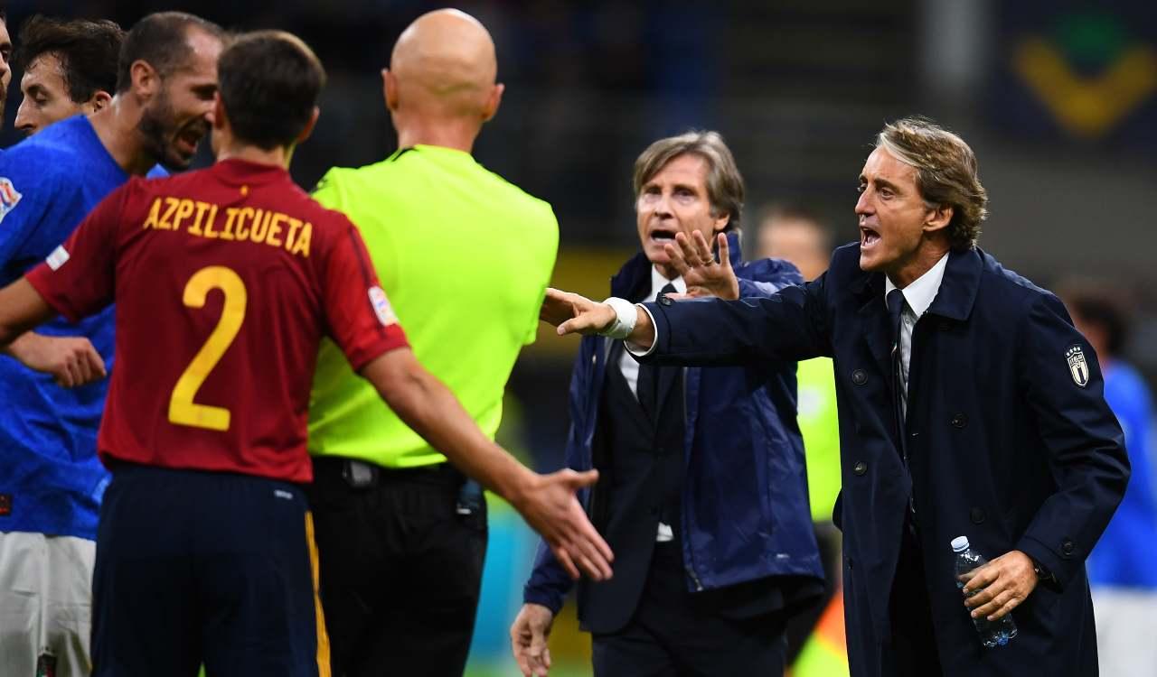 Mancini protesta con l'Arbitro