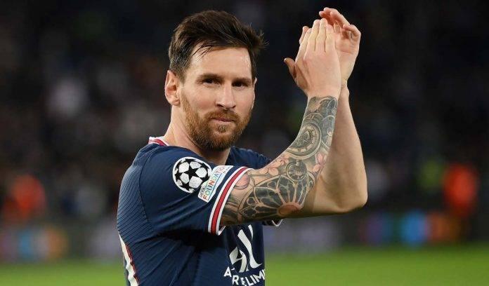 Messi applaude a fine partita