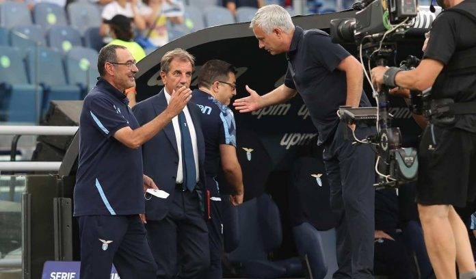 Sarri e Mourinho si danno la mano